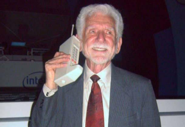 Primeira ligação realizada por um celular completa 43 anos