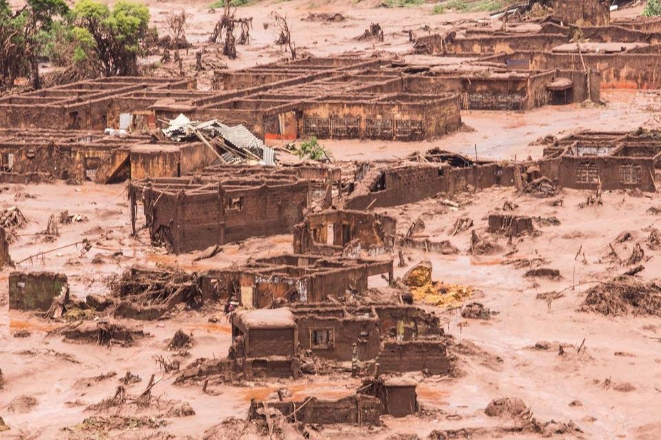 Obras na barragem causaram a tragédia de Mariana, diz relatório do MP