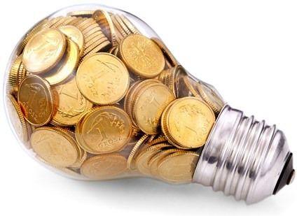 Aneel vai rever tarifas para devolver a consumidores