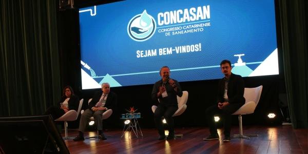 Case de emissários submarinos para Florianópolis é apresentado no Congresso