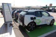 Carros elétricos e híbridos vão pagar IPI de modelo popular, diz ministro