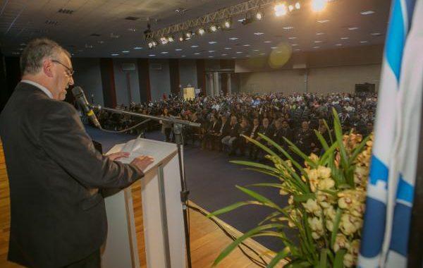 Valorização do compartilhamento de inovações e homenagens marcam abertura do Congresso de Saneamento