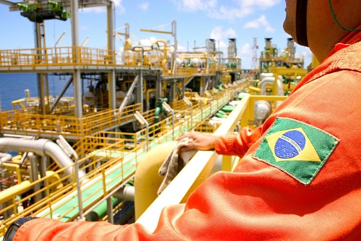 A nova realidade do setor de petróleo e gás natural e o preço dos combustíveis