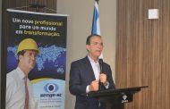 Décio Lima, candidato ao governo do Estado, firmacompromisso com a engenharia em encontro no Senge-SC