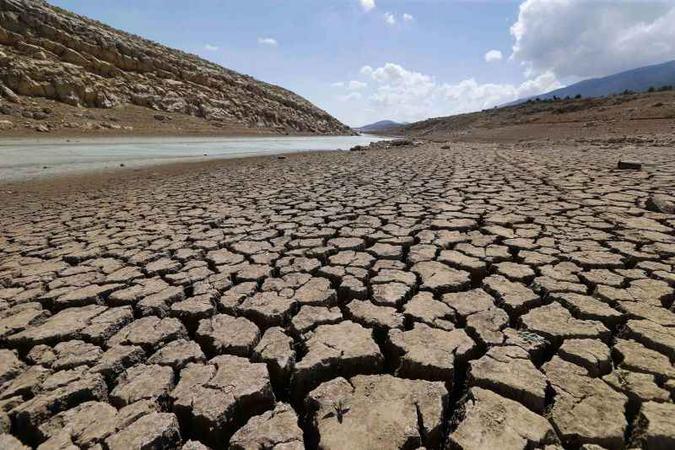 Planeta mudará fatalmente em 100 anos sem redução de gases de efeito estufa