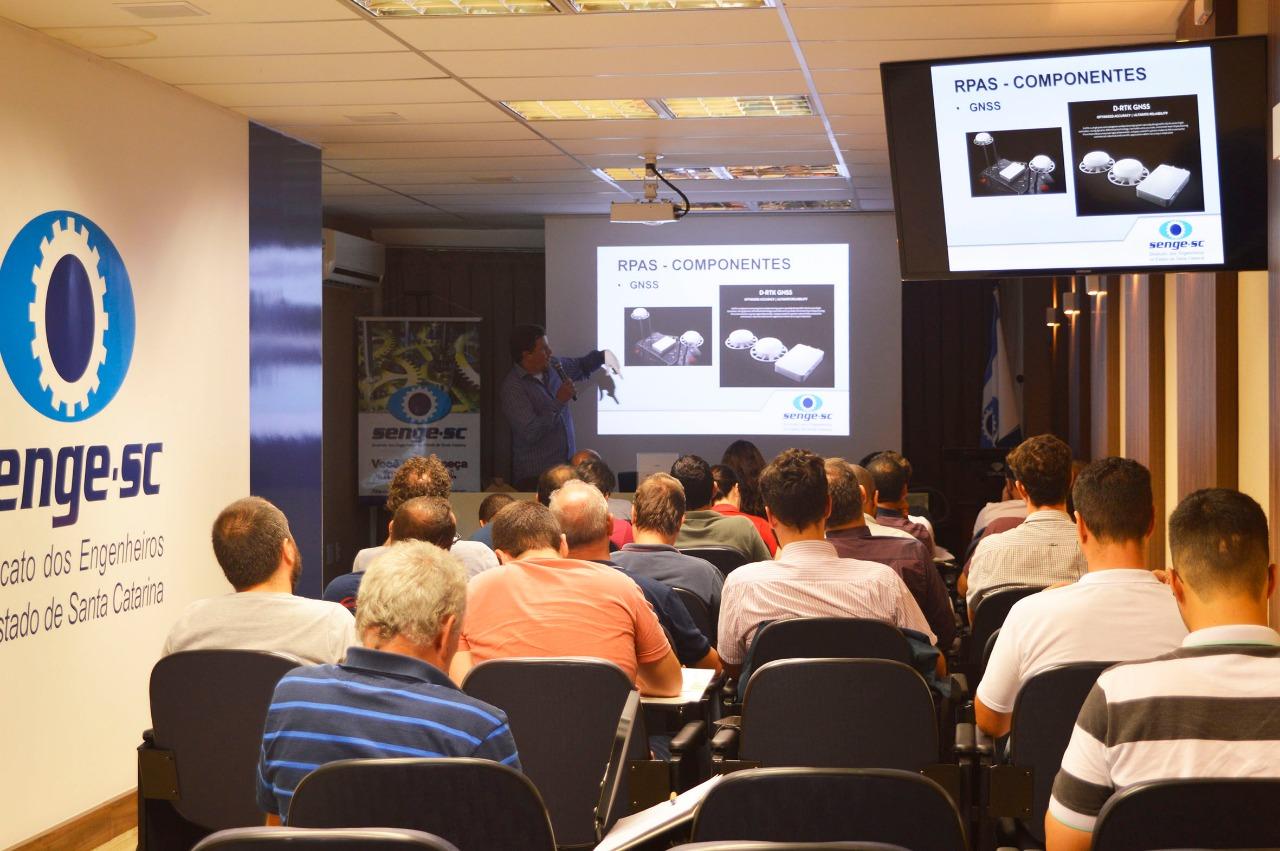 Grande procura faz Senge-SC abrir vagas para mais dois cursos sobre drones
