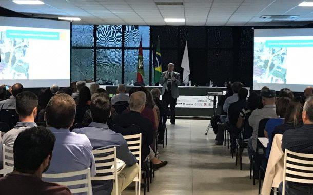 Representantes da sociedade reúnem-se para debater a mobilidade em Florianópolis. Senge-SC lamenta a ausência da Prefeitura.