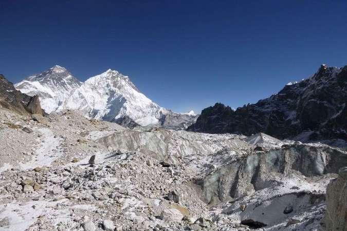 Aquecimento global: geleiras dos Himalaias derretem em tempo recorde