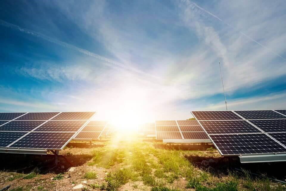 Não existe taxa do sol: é subsídio escondido na conta de luz