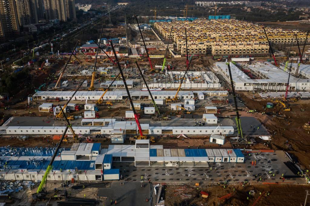 Hospital em 10 dias e outras vezes que a engenharia chinesa chocou o mundo