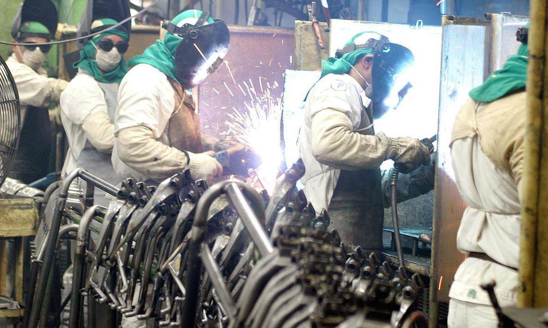Economia Confiança da indústria atinge maior nível em nove anos, diz FGV