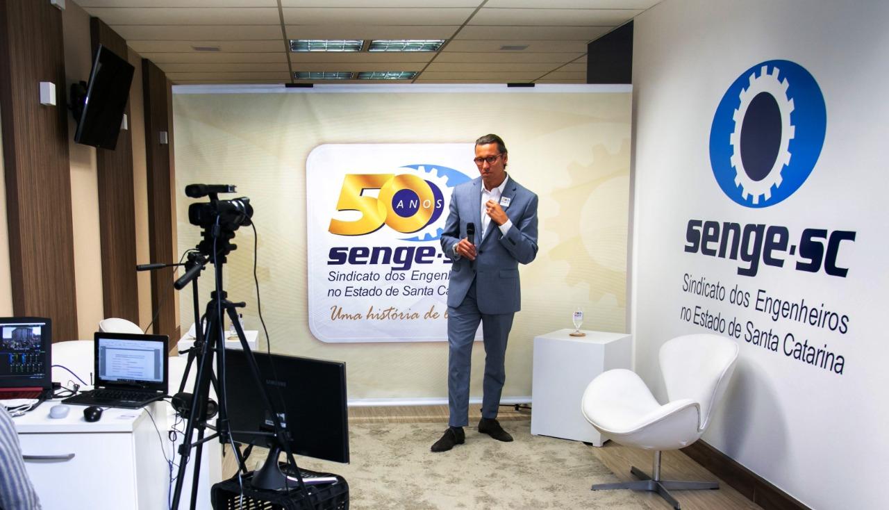 Senge-SC comemora 50 anos promovendo evento técnico para os engenheiros sobre licitações