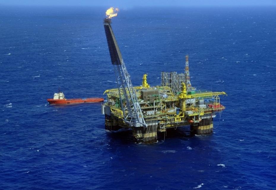 Justiça atende Ação do MPT e proíbe Petrobrás e empresas privadas de alterar jornadas de trabalhadores embarcados
