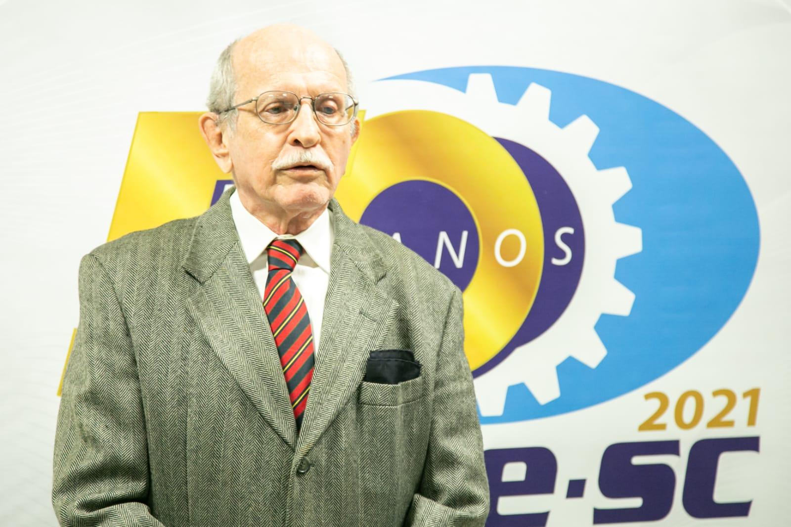 SENGE-SC E ENGENHARIA PERDEM CARLOS ALBERTO GANZO FERNANDES